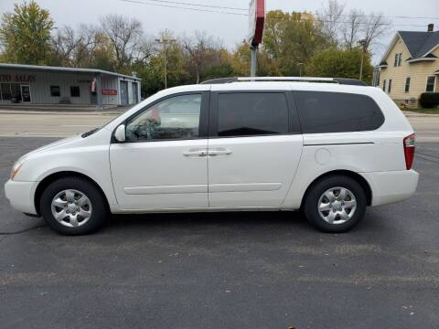 2010 Kia Sedona for sale at Deals on Wheels in Oshkosh WI