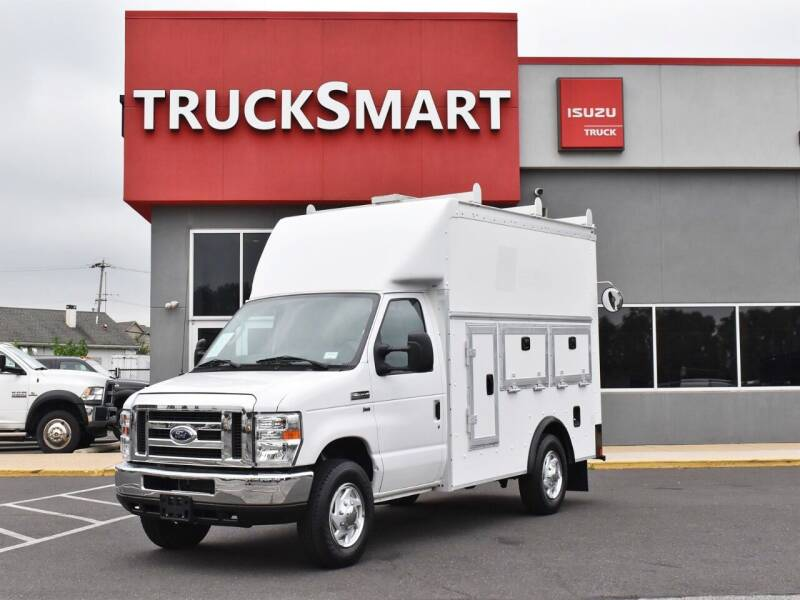 2017 Ford E-Series Chassis for sale in Morrisville, PA