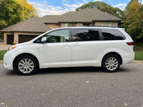 2017 Toyota Sienna for sale at You Win Auto in Burnsville MN