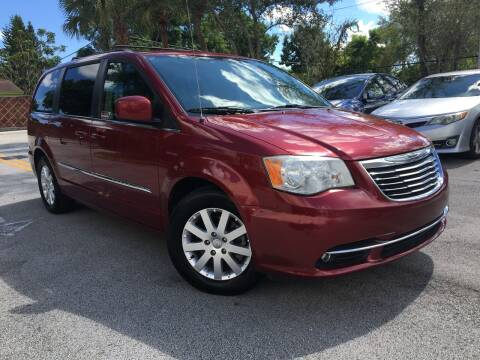 2014 Chrysler Town and Country for sale at Car Net Auto Sales in Plantation FL