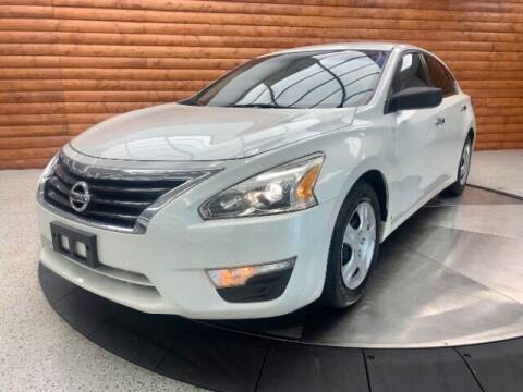 2014 Nissan Altima for sale at Dixie Imports in Fairfield OH