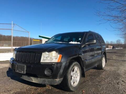 2005 Jeep Grand Cherokee for sale at GOOD USED CARS INC in Ravenna OH