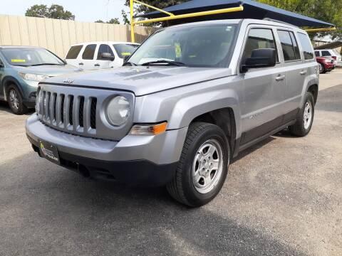 2014 Jeep Patriot for sale at Midtown Motor Company in San Antonio TX
