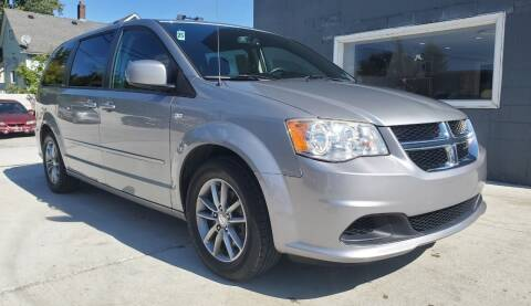 2014 Dodge Grand Caravan for sale at Julian Auto Sales, Inc. - Number 1 Car Company in Detroit MI