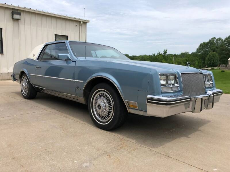1985 Buick Riviera for sale at Prenger's Classics in Macon MO