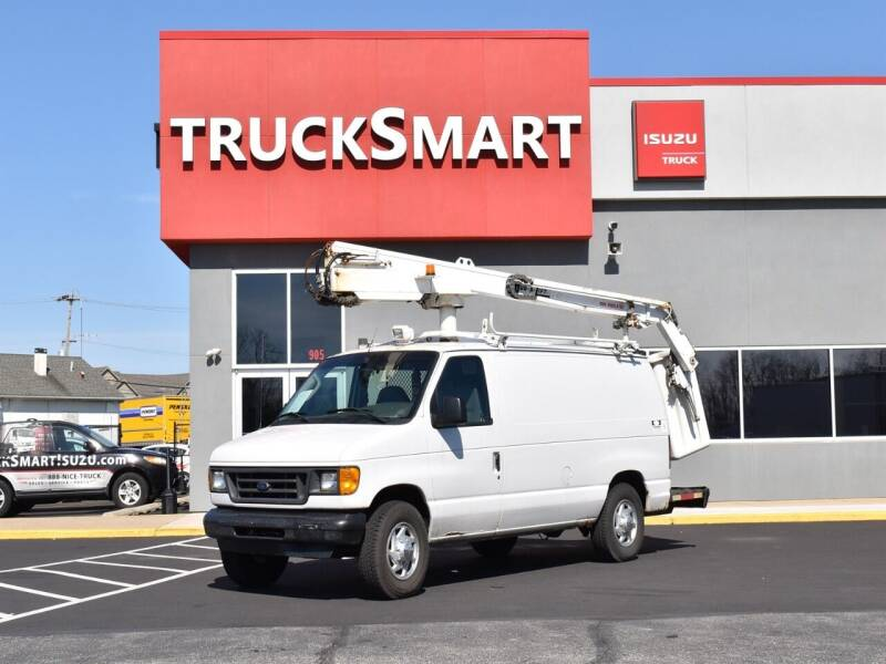 2003 Ford E-Series Cargo for sale at Trucksmart Isuzu in Morrisville PA