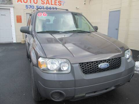 2006 Ford Escape for sale at Small Town Auto Sales in Hazleton PA