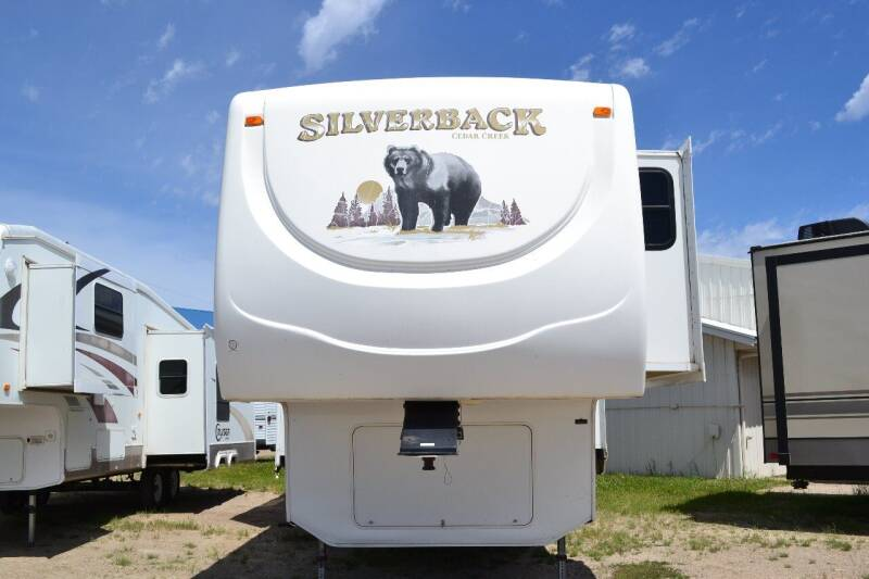 2008 Forest River Silverback 30 LSA for sale at Lakota RV - Used Fifth Wheels in Lakota ND