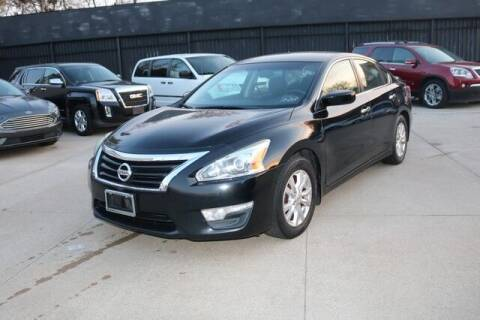 2015 Nissan Altima for sale at F & M AUTO SALES in Detroit MI