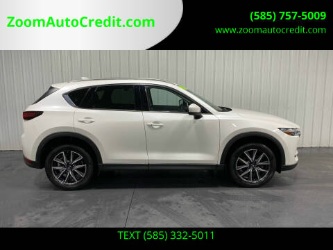 2018 Mazda CX-5 for sale at ZoomAutoCredit.com in Elba NY