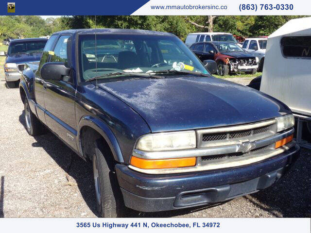 2001 Chevrolet S-10 for sale at M & M AUTO BROKERS INC in Okeechobee FL