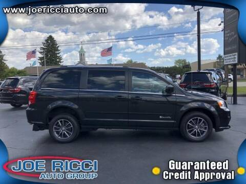 2017 Dodge Grand Caravan for sale at Mr Intellectual Cars in Shelby Township MI