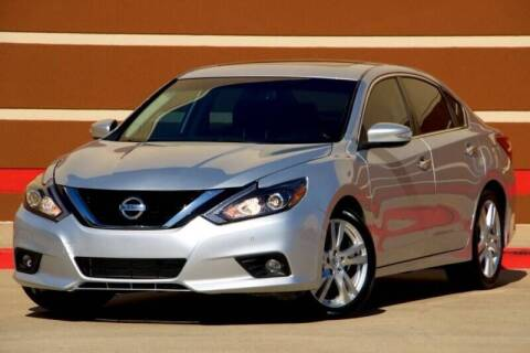 2017 Nissan Altima for sale at Auto Hunters in Houston TX