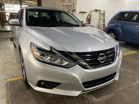 2017 Nissan Altima for sale at John Warne Motors in Canonsburg PA