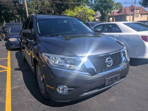 2014 Nissan Pathfinder for sale at CLASSIC MOTOR CARS in West Allis WI