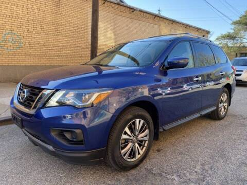 2019 Nissan Pathfinder for sale at CERTIFIED LUXURY MOTORS OF QUEENS in Elmhurst NY