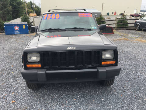 2001 Jeep Cherokee for sale at BIRD'S AUTOMOTIVE & CUSTOMS in Ephrata PA