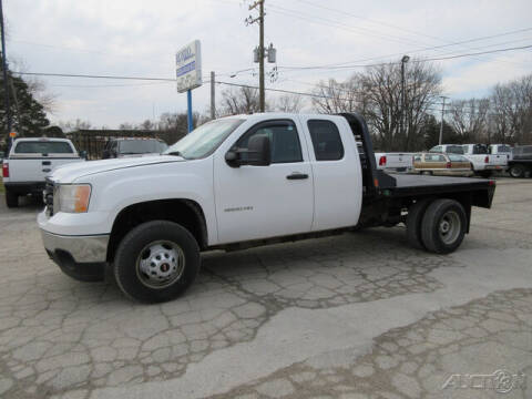 2013 GMC Sierra 3500HD for sale at Rondo Truck & Trailer in Sycamore IL