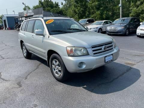 2004 Toyota Highlander for sale at LexTown Motors in Lexington KY