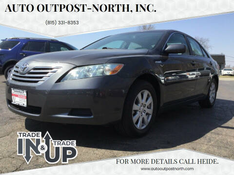 2009 Toyota Camry Hybrid for sale at Auto Outpost-North, Inc. in McHenry IL