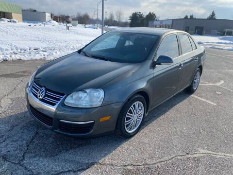 2008 Volkswagen Jetta for sale at JE Autoworks LLC in Willoughby OH