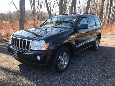 2005 Jeep Grand Cherokee for sale at GABBY'S AUTO SALES in Valparaiso IN