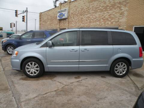 2013 Chrysler Town and Country for sale at Kingdom Auto Centers in Litchfield IL