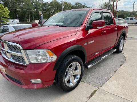 2009 Dodge Ram Pickup 1500 for sale at Azteca Auto Sales LLC in Des Moines IA