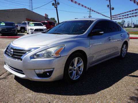 2015 Nissan Altima for sale at BLUE RIBBON MOTORS in Baton Rouge LA
