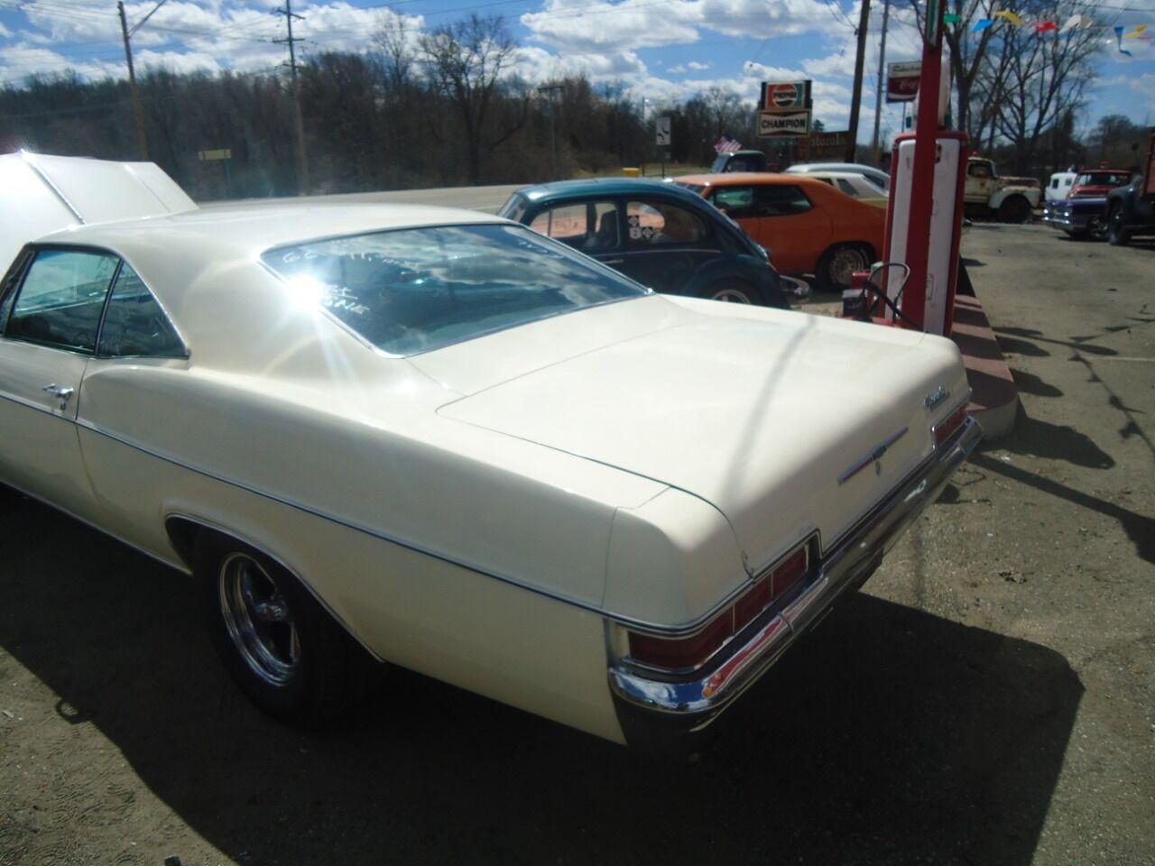 1966 Chevrolet Impala 6
