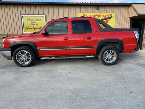 2005 Chevrolet Avalanche for sale at BIG 'S' AUTO & TRACTOR SALES in Blanchard OK