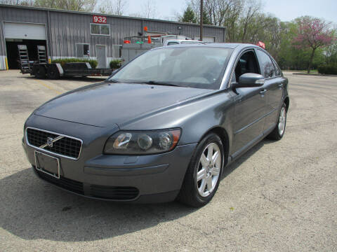 2007 Volvo S40 for sale at Triangle Auto Sales in Elgin IL