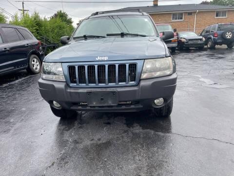 2004 Jeep Grand Cherokee for sale at RON'S AUTO SALES INC in Cicero IL