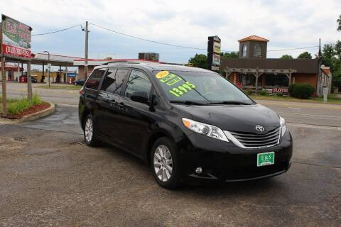 2014 Toyota Sienna for sale at E & S Auto Sales in Crest Hill IL