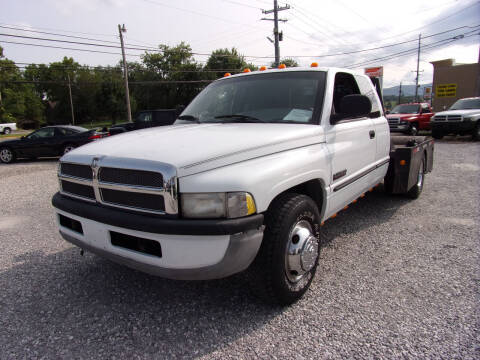 1998 Dodge Ram Pickup 3500 for sale at RAY'S AUTO SALES INC in Jacksboro TN