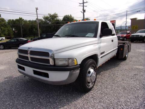 1998 Dodge Ram Pickup 3500 for sale at RAY'S AUTO SALES INC in Jacksboro TN