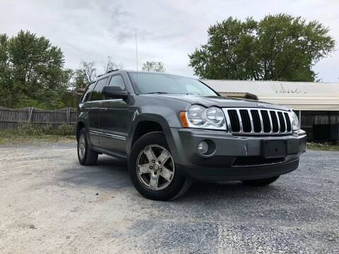 2007 Jeep Grand Cherokee for sale at PREMIER AUTO SALES in Martinsburg WV