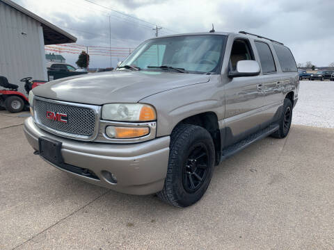 2002 GMC Yukon XL for sale at Family Car Farm in Princeton IN
