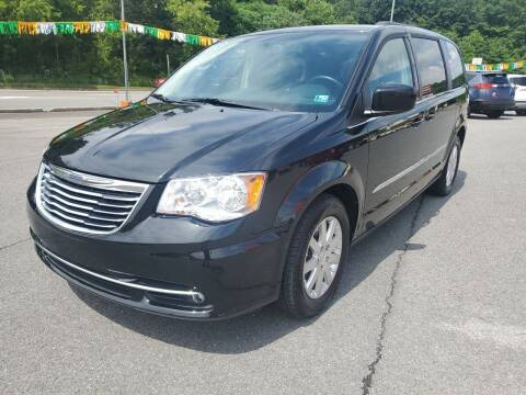 2014 Chrysler Town and Country for sale at Mulligan's Auto Exchange LLC in Paxinos PA