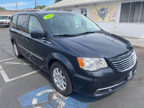 2014 Chrysler Town and Country for sale at Robert Judd Auto Sales in Washington UT