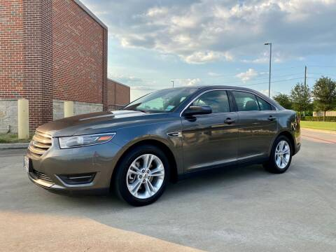 2015 Ford Taurus for sale at AUTO DIRECT in Houston TX
