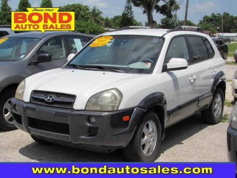 2005 Hyundai Tucson for sale at Bond Auto Sales in Saint Petersburg FL