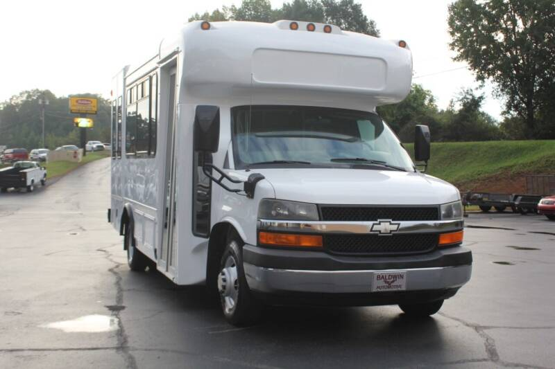 2009 Chevrolet Express Cutaway for sale at Baldwin Automotive LLC in Greenville SC