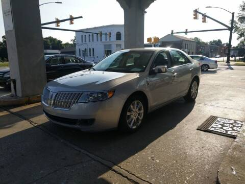 2010 Lincoln MKZ for sale at ROBINSON AUTO BROKERS in Dallas NC