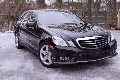 2010 Mercedes-Benz E-Class for sale at Bill Dovell Motor Car in Columbus OH