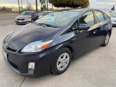 2010 Toyota Prius for sale at Ideal Car Sales in Los Banos CA