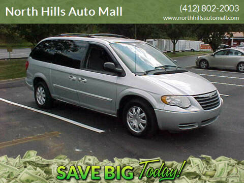 2007 Chrysler Town and Country for sale at North Hills Auto Mall in Pittsburgh PA