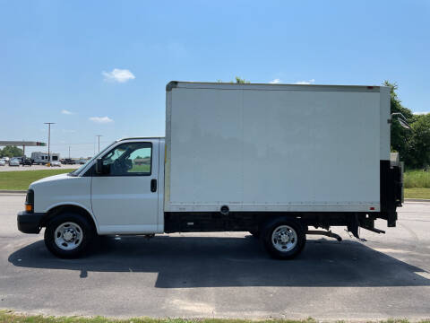 2016 Chevrolet Express Cutaway for sale at V Automotive in Harrison AR