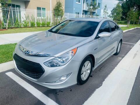 2013 Hyundai Sonata Hybrid for sale at LA Motors Miami in Miami FL