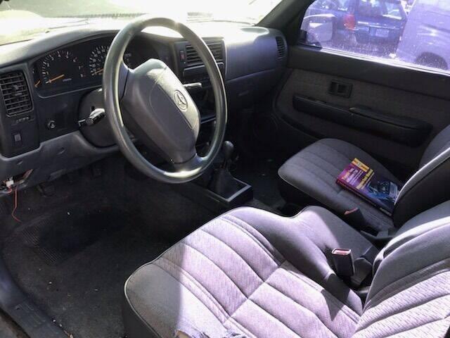 1995 Toyota Tacoma 2dr V6 4WD Extended Cab SB - Portland OR